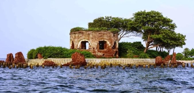 benteng pulau onrust