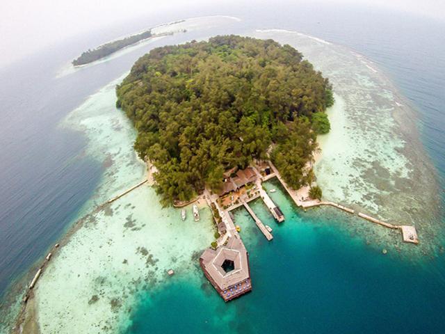 Pulau Pelangi - Resto